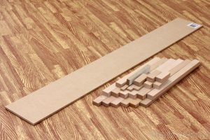 角材と背板